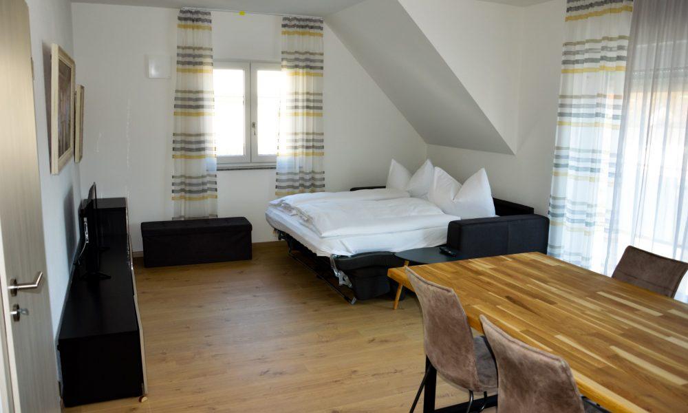 Wohnesszimmer & Küche - Sofaidyll ausgeklappt (Schlafplatz für 2 Personen)