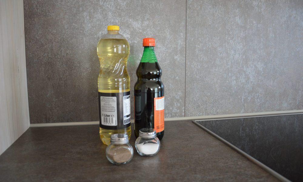Ausstattung - Salz, Pfeffer, Essig, Öl
